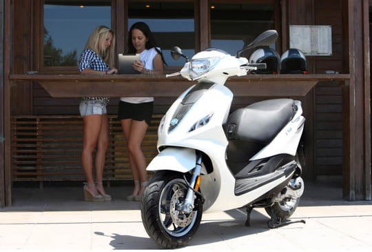piaggio fly 150 3v | ace scooters