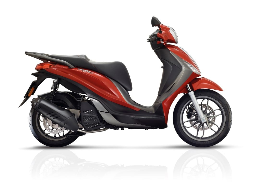 piaggio medley 150 s rosso ibis 4 ace scooters motorcycles. Black Bedroom Furniture Sets. Home Design Ideas